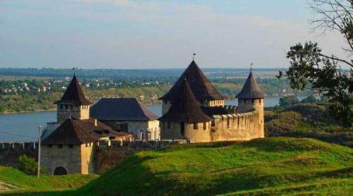 Hotynska-fortecja хотинська фортеця