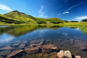 Несамовите озеро, Карпати