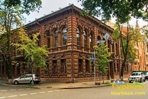 Шоколадний будиночок, маєтки Києва