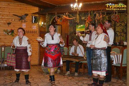 Гуцульська забава. Тур в Карпати на Новий рік